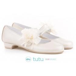 Mercedita with pearly heel